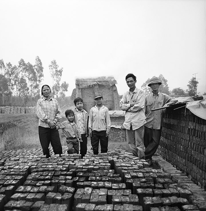 Vietnam-Brick-makers